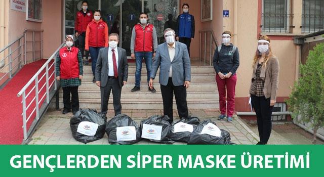 Gençlerden siper maske üretimi