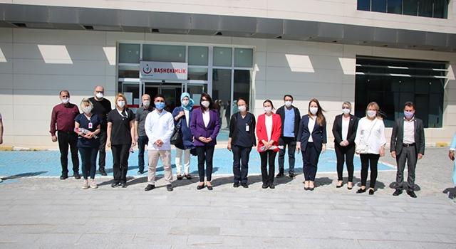 AK Parti'den Hemşireler Günü'nde anlamlı etkinlik