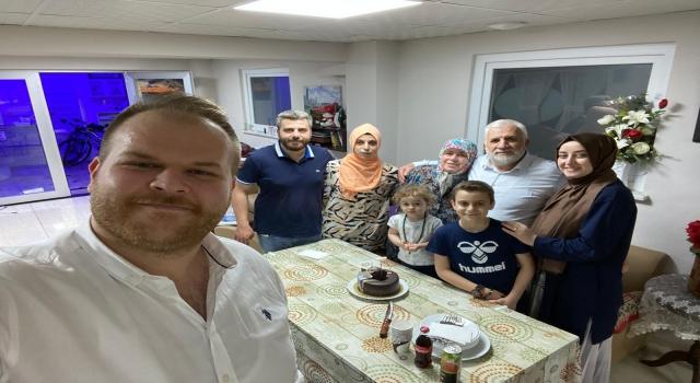 Akkoyun kardeşlerden babalarına sürpriz doğum günü kutlaması