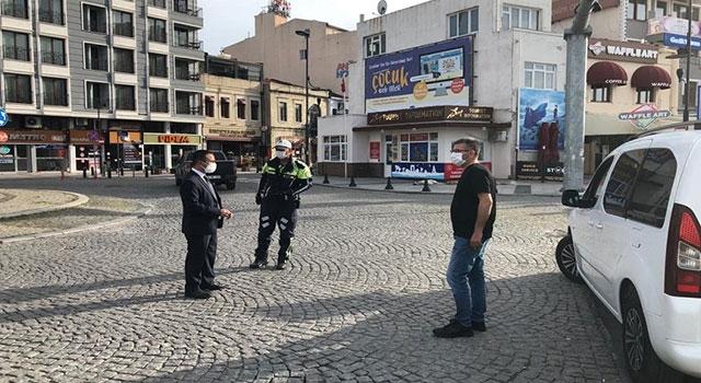 Vali Aktaş'tan polis uygulama noktasında sokağa çıkma kısıtlaması denetimi