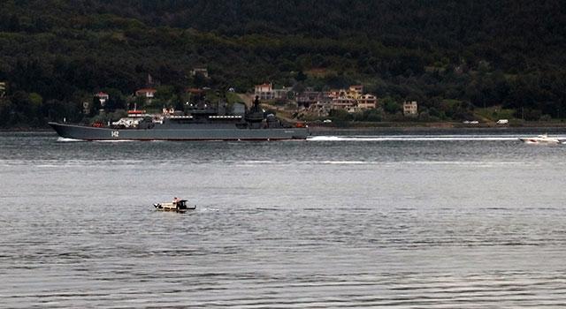 Rus savaş gemisi 'Novocherkassk' Çanakkale Boğazı'ndan geçti