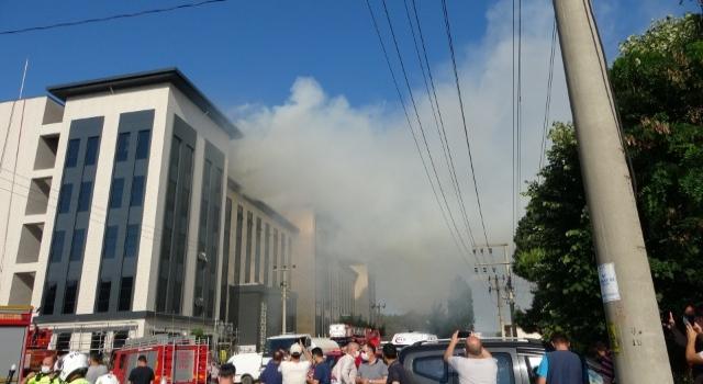 Emniyet Müdürlüğü binasındaki yangın güçlükle söndürüldü