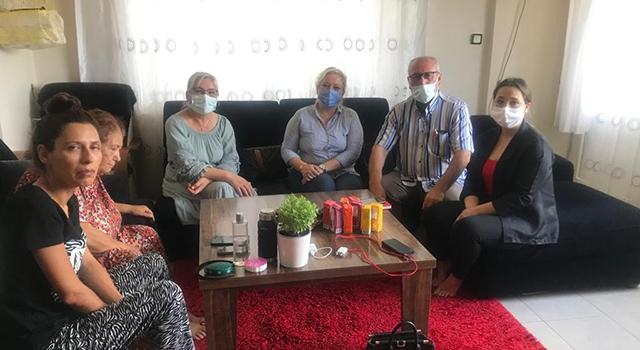 AK Parti'li kadınlardan yaşlı vatandaşlara ziyaret