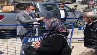 Başkan Yüksel pazar yerinde vatandaşlara yerli el dezenfektanı dağıttı