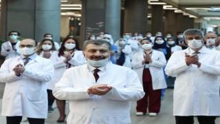 """Sağlık Bakanı Koca iyi haberi verdi: """"Son 20 gün içinde vaka sayısının en düşük olduğu gün, bugün oldu"""""""