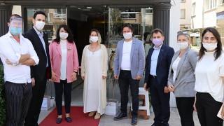AK Parti'den berber, kuaför ve güzellik salonlarına ziyaret