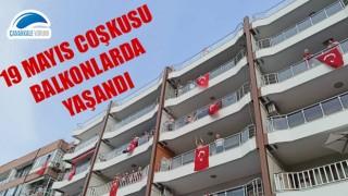 Çanakkale'de 19 Mayıs coşkusu balkonlarda yaşandı