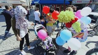 Rengarenk balonlar çocuklarla buluştu