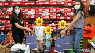 Bayramiç Belediyesi'nden çocukları sevindiren kampanya