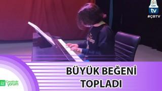 Çan Belediyesi piyano kursiyerinden online performans