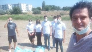 AK gençler sahil ve kıyı şeridini temizledi