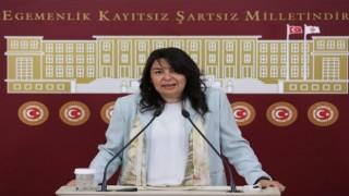 """Jülide İskenderoğlu: """"Kadınlarımızı zincire vuramazsınız!"""""""
