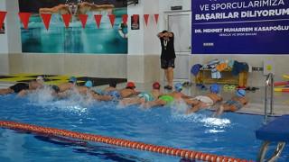 Biga'da Yarı Olimpik Yüzme Havuzuna yoğun ilgi
