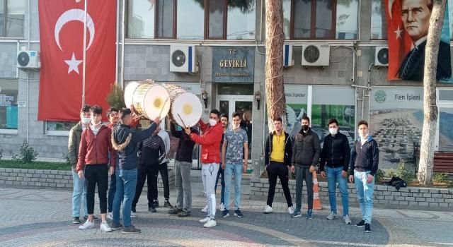 Başkan Oruçoğlu, Ramazan davulcularına sahip çıktı