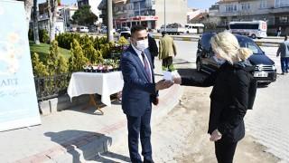 Başkan Erdoğan'dan, kadınlara 8 Mart çiçeği